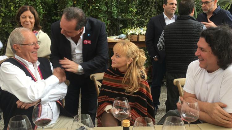 Santos y el presidente de Perú
